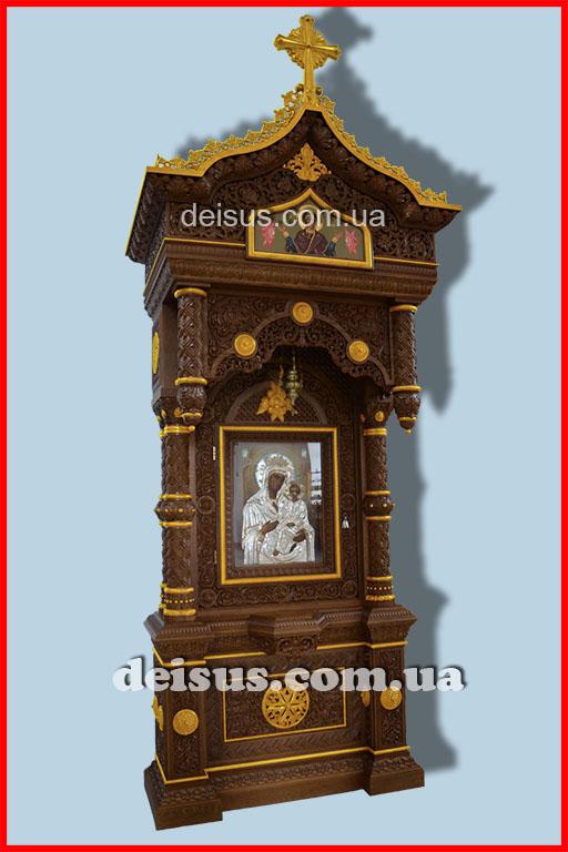 Золоченый церковный киот, ручной работы из дуба.