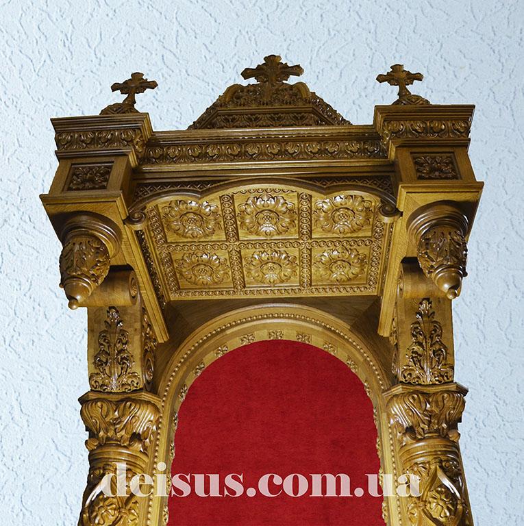 Жертвенник в традиционном православном стиле