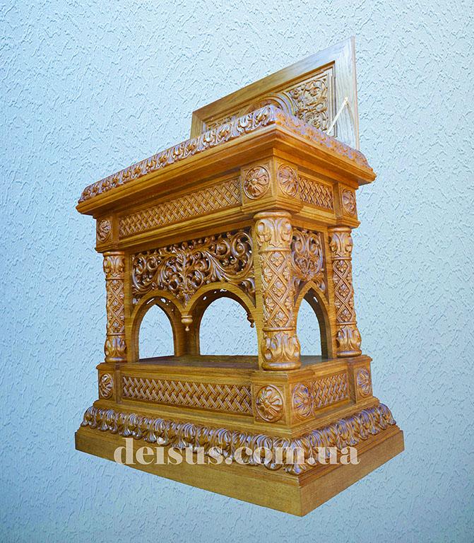 Мощевик для храма вид сбоку.