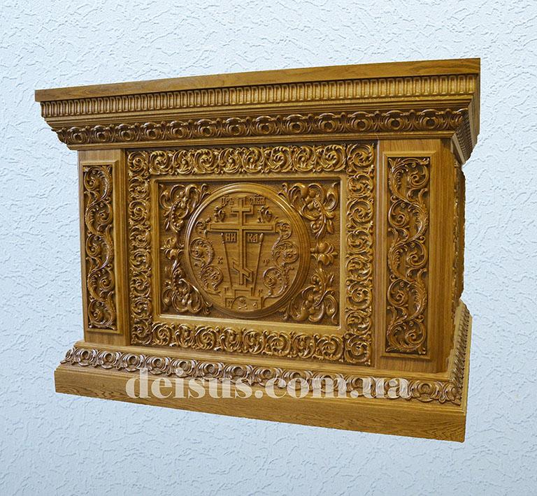 Заказать иконостас, ризу или другие изделия для церкви из дерева.